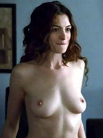 Anne Hathaway naked pics